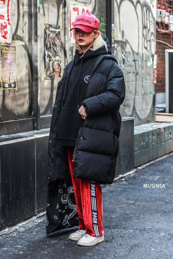 Giới trẻ Hàn chứng minh có nhồi nhiều quần áo đến mấy, chỉ cần biết cách thì outfit vẫn đẹp ngất như thường - ảnh 8