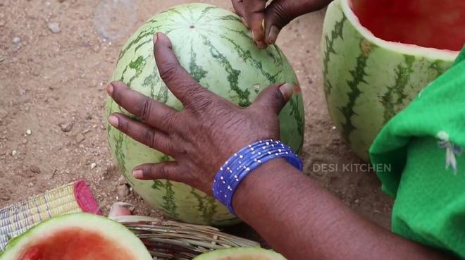 Gà nướng dưa hấu: món ngon Ấn Độ gây ấn tượng từ cái tên và khi thấy cách làm thì càng tò mò hơn - Ảnh 4.