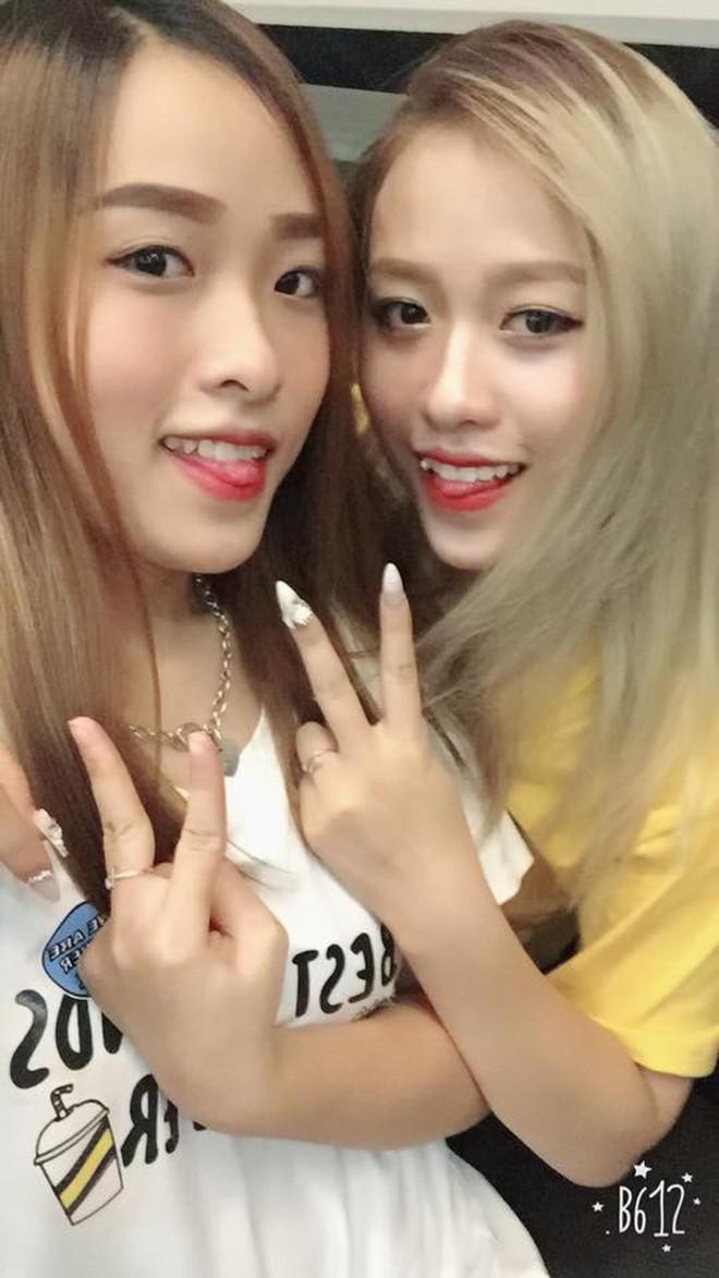 Cặp chị em song sinh nổi nhất Tik Tok Việt: Em cá tính nhảy đẹp, chị xinh xắn cover cực ngọt - ảnh 4