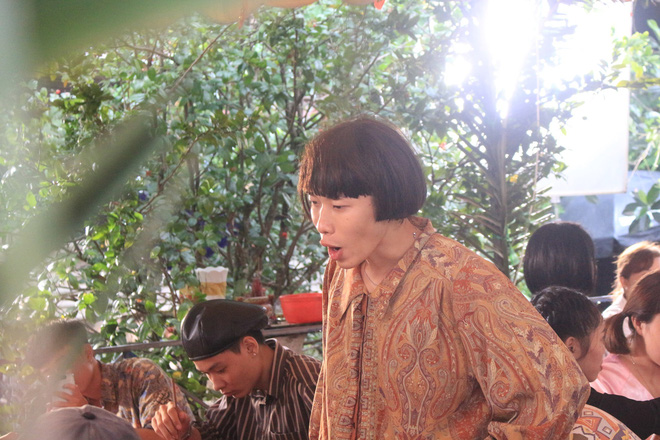 Sau Vợ người ta, Vpop xuất hiện thêm MV theo concept đám cưới miệt vườn hài hước - Ảnh 4.