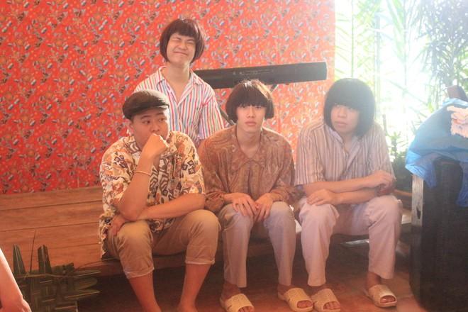 Sau Vợ người ta, Vpop xuất hiện thêm MV theo concept đám cưới miệt vườn hài hước - Ảnh 3.