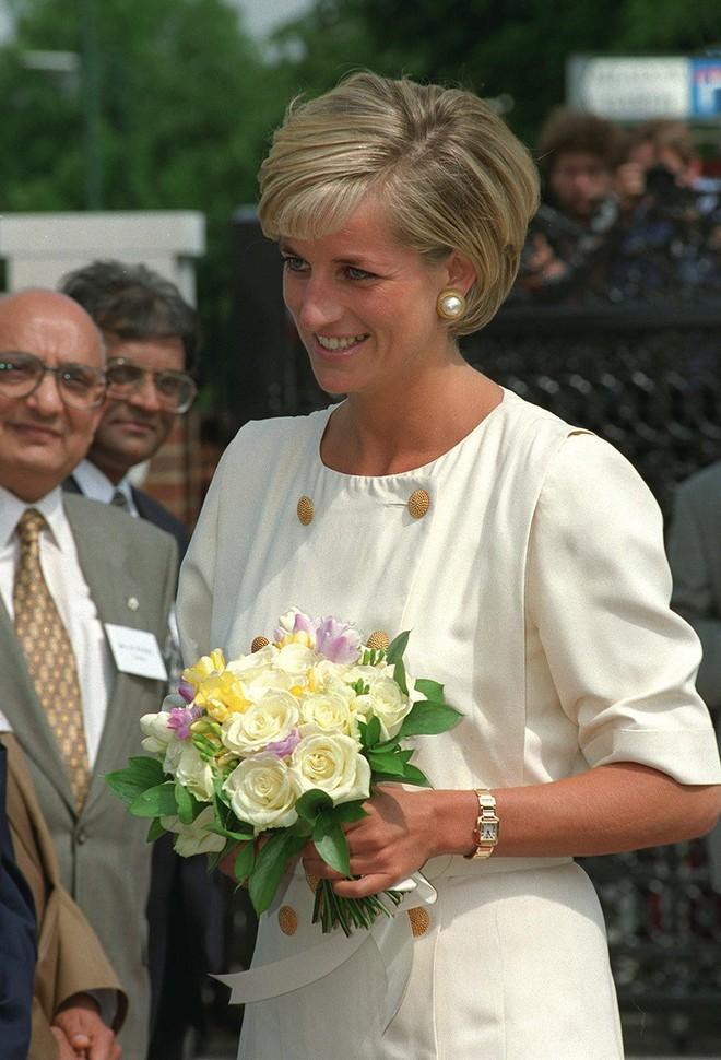 Ẩn sau chiếc đồng hồ mà Kate Middleton thường đeo là bí mật ngọt ngào, liên quan đến cả Công nương Diana - ảnh 7