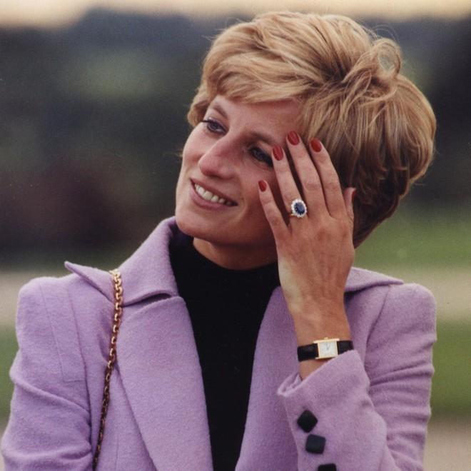 Ẩn sau chiếc đồng hồ mà Kate Middleton thường đeo là bí mật ngọt ngào, liên quan đến cả Công nương Diana - ảnh 8