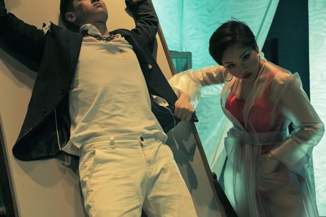 Nhìn loạt biểu cảm của Miu Lê trong MV mới, khán giả muốn có ngay một phim kinh dị cho cô nàng đóng chính! - ảnh 2
