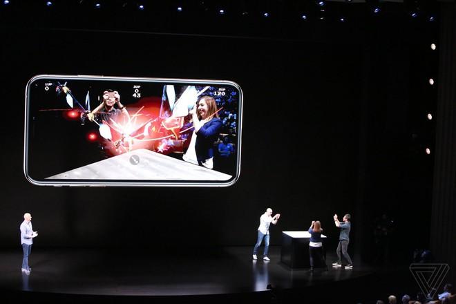 iPhone Xs/Xs Max ra mắt: Màn hình lớn nhất thị trường, thêm màu vàng sang chảnh, chụp ảnh đẹp hơn, có 2 SIM, 512GB dung lượng - Ảnh 9.
