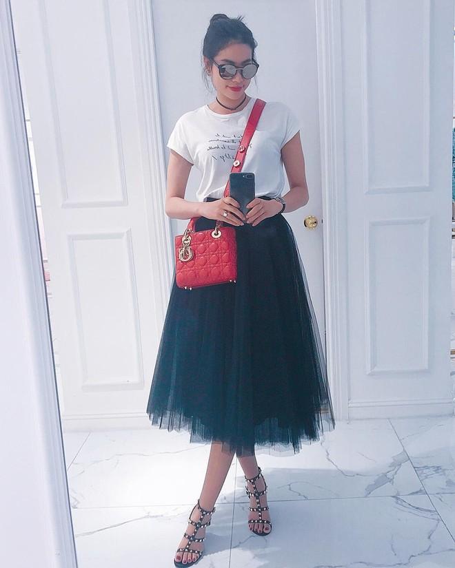 Những Hoa hậu chịu chơi của Vbiz: Mua hàng hiệu theo lố, đi du lịch sang chảnh ở khách sạn hàng chục triệu đồng/đêm - ảnh 27