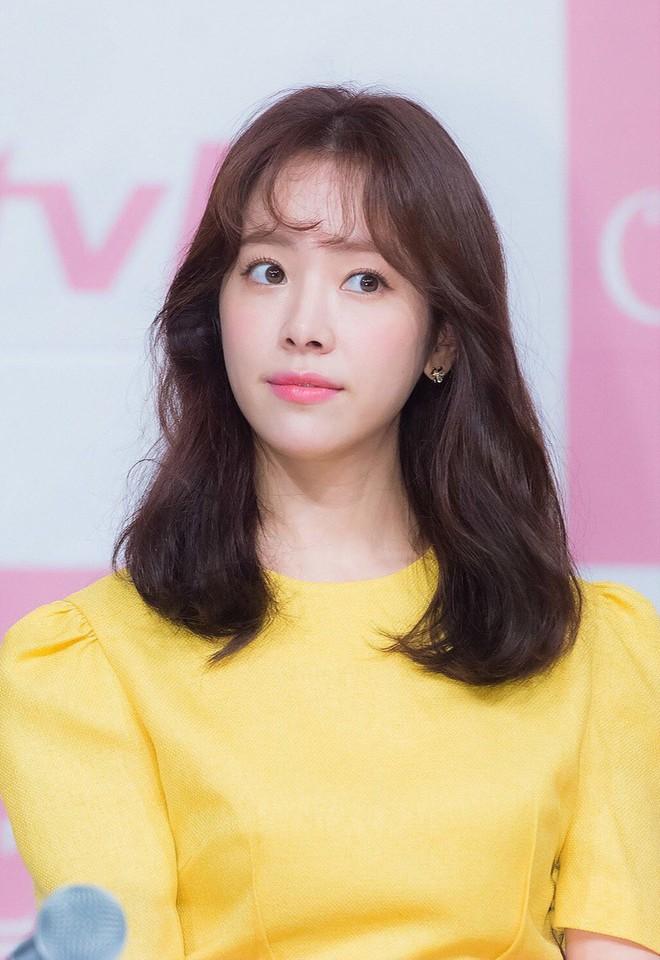 """Nếu bí ý tưởng F5 cho mái tóc mùa thu này, các nàng hãy ngắm qua 4 kiểu tóc """"ruột"""" của các mỹ nhân Hàn xem sao - ảnh 16"""