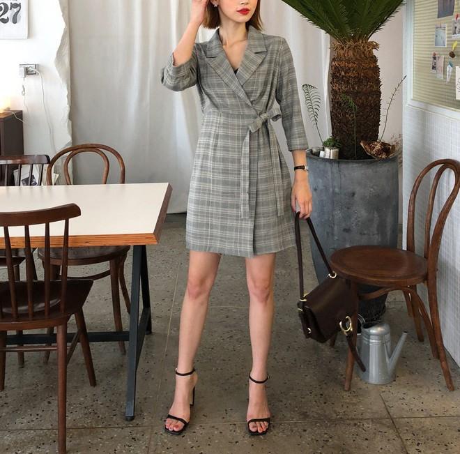 Vòng bụng lớn chỉ là chuyện nhỏ bởi đã có 5 kiểu váy liền giúp các nàng che giấu hoàn hảo - ảnh 3
