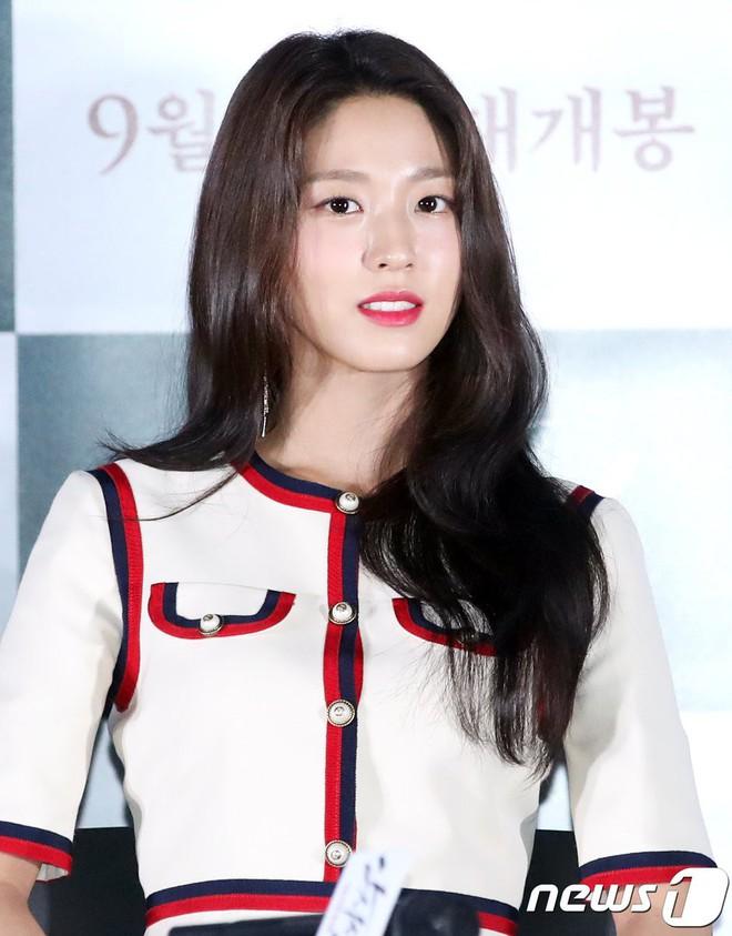 Seolhyun mặc như gái công sở đi dự họp báo, netizen vẫn khen nữ nở vì quá đẹp - ảnh 4