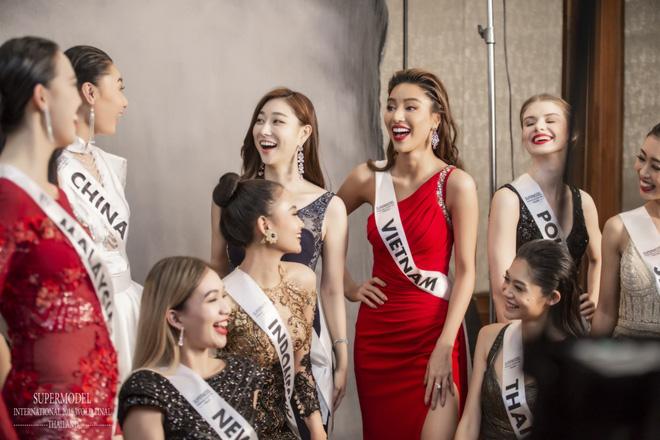 Đại diện Việt Nam - Khả Trang giành quán quân Siêu mẫu quốc tế 2018 - ảnh 5