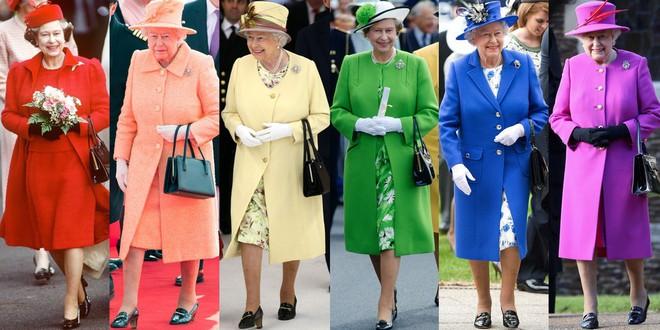 Chỉ mặc đúng một kiểu suốt mấy chục năm, Nữ hoàng Anh vẫn được nhận xét là có style xuất sắc hơn hẳn Công nương Meghan - ảnh 3
