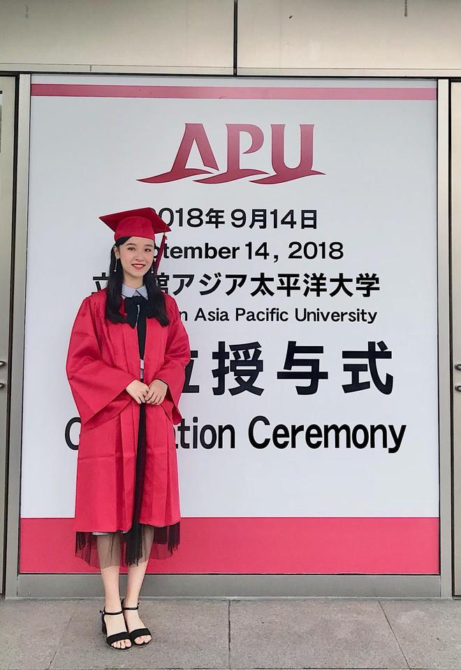 Chỉ 1 bức hình chụp lúc tốt nghiệp, Á khôi Du học sinh Việt toàn thế giới lại khiến dân mạng rung rinh vì quá xinh - Ảnh 2.