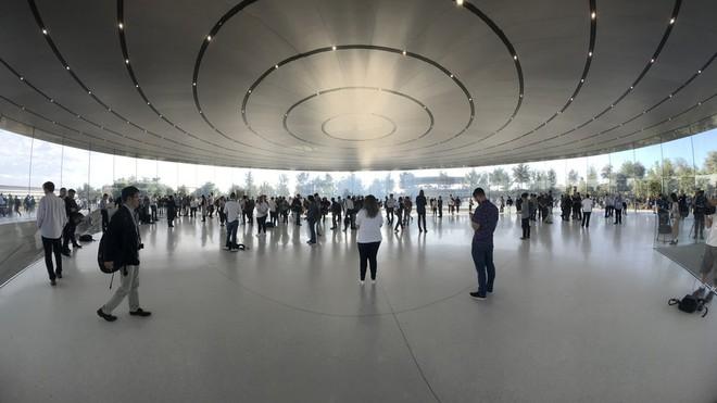 Chỉ vì ra mắt iPhone, Apple vừa tự cho mình quyền nếm trái cấm nghiêm khắc nhất của công ty - Ảnh 2.