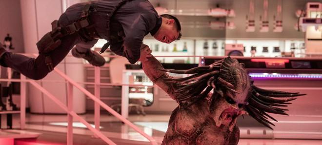 """Máu me, hài hước, nhưng """"The Predator"""" còn lâu mới xứng với thương hiệu Quái Thú Vô Hình đình đám một thời - ảnh 4"""