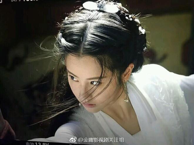 Nhan sắc thoát tục của nàng Tiểu Long Nữ phiên bản mới: Lưu Diệc Phi cuối cùng cũng có đối thủ! - ảnh 2