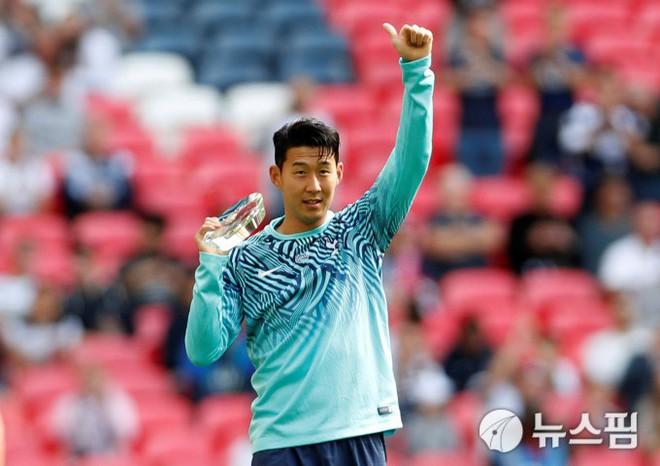 Son Heung-min suýt mang về phạt đền quyết định trong trận gặp Liverpool - ảnh 1