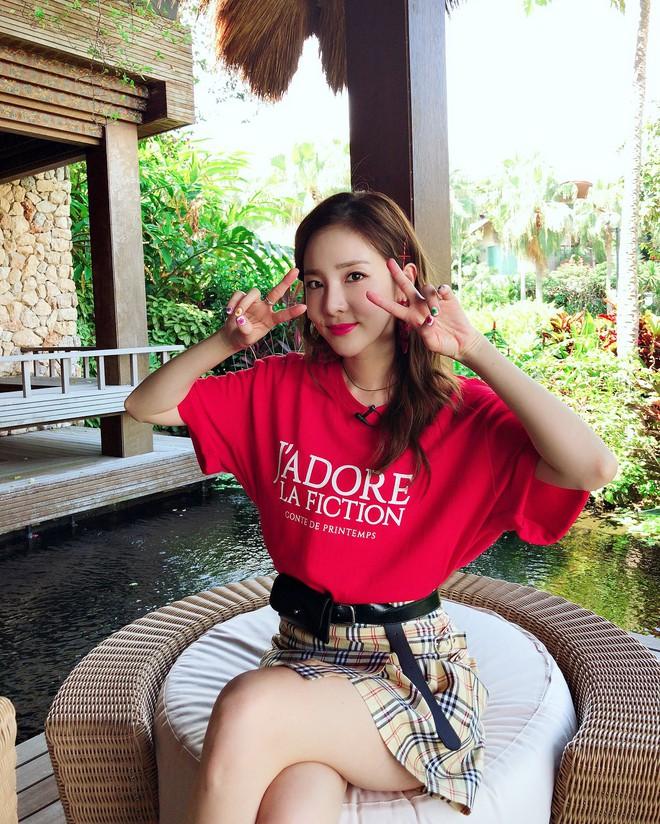 """Xinh đẹp bất chấp tuổi tác nhưng Dara lại cứ thích """"dìm"""" bản thân bằng trang phục sai trái - ảnh 16"""