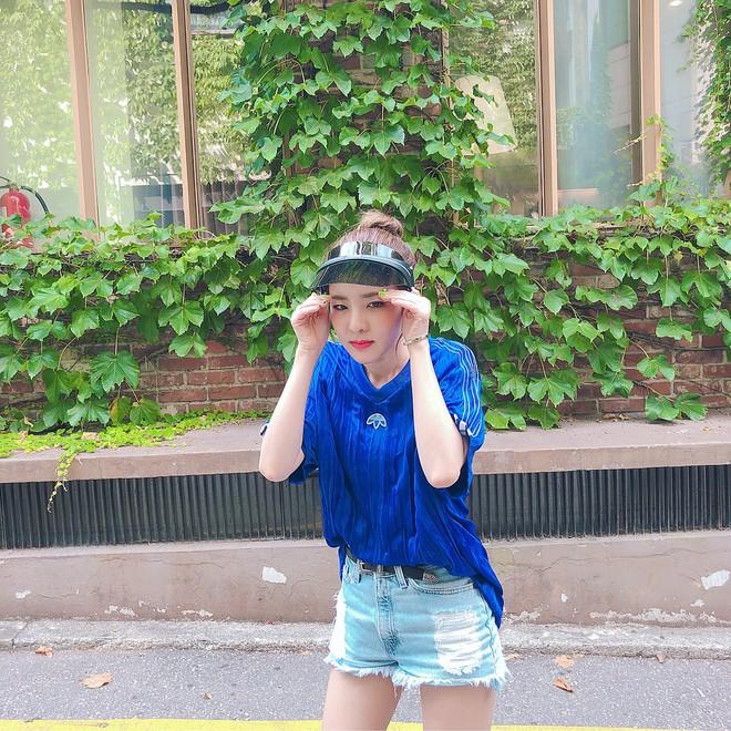 """Xinh đẹp bất chấp tuổi tác nhưng Dara lại cứ thích """"dìm"""" bản thân bằng trang phục sai trái - ảnh 18"""