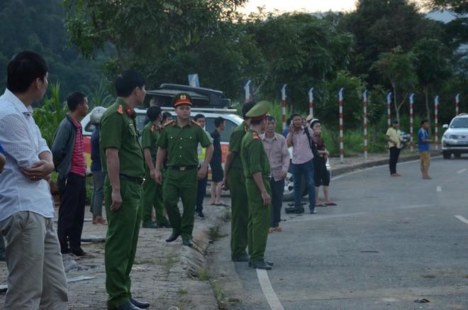 Nhân chứng kể lại vụ tai nạn 13 người chết ở Lai Châu: Trước khi gặp nạn, xe bồn bấm còi liên tục, tài xế mở cửa hét lớn - ảnh 2