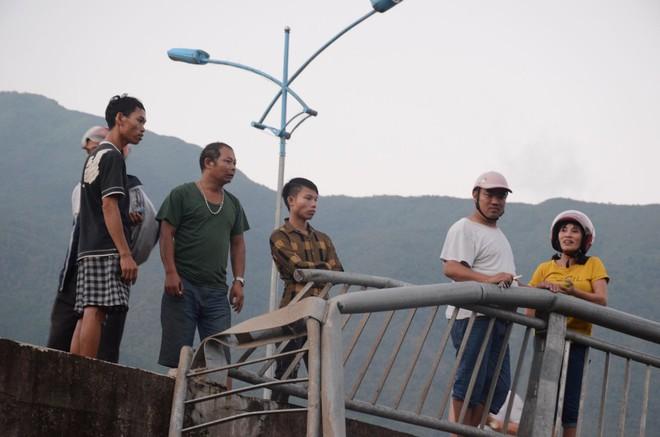 Nhân chứng kể lại vụ tai nạn 13 người chết ở Lai Châu: Trước khi gặp nạn, xe bồn bấm còi liên tục, tài xế mở cửa hét lớn - ảnh 3
