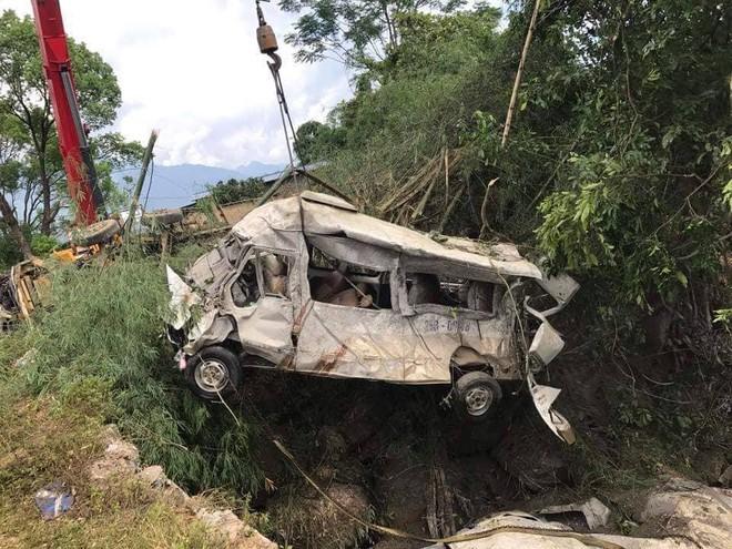 """Vụ tai nạn thảm khốc 13 người chết ở Lai Châu: """"Có những cơ thể đã không còn nguyên vẹn, nhìn thương tâm và đau xót lắm"""" - ảnh 1"""