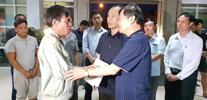 Chi tiết bất ngờ vụ tai nạn thảm khốc ở Lai Châu: Do tránh xe chạy ngược chiều nên xe bồn đã đâm vào xe khách - ảnh 6