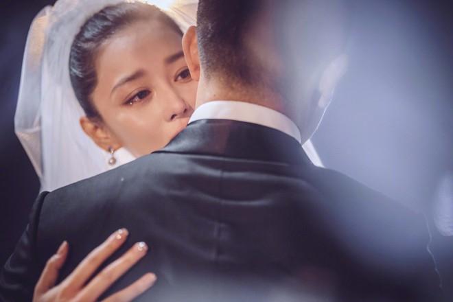 Sau đám cưới, tình địch Phạm Băng Băng khoe cuộc sống ngọt ngào và bình dị bên chồng sĩ quan - ảnh 5