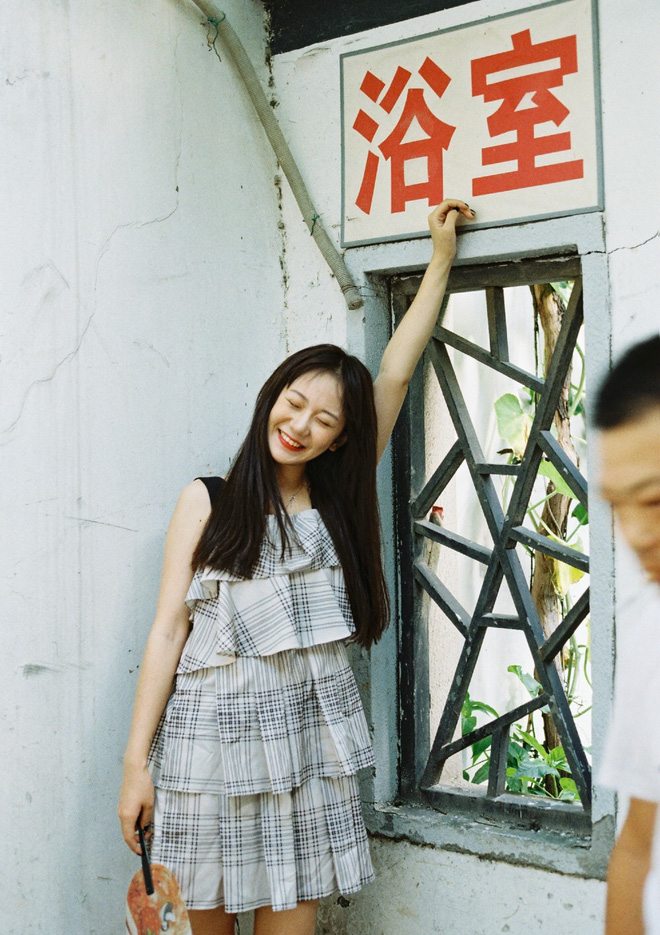 Có những kiểu người dù để kiểu tóc gì cũng đẹp, cô bạn Trung Quốc này chính là ví dụ - ảnh 16