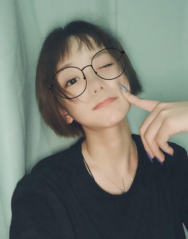 Có những kiểu người dù để kiểu tóc gì cũng đẹp, cô bạn Trung Quốc này chính là ví dụ - ảnh 1