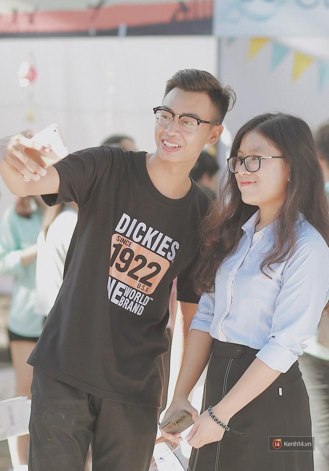Ngẩn ngơ ngắm trai xinh gái đẹp trong ngày hội chào tân sinh viên của ĐH Ngoại thương - ảnh 5