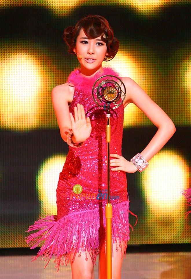 Cứ tưởng Sunmi đẹp bất khả chiến bại, thế mà cũng có lúc bị dìm vì kiểu tóc khó cảm - ảnh 5