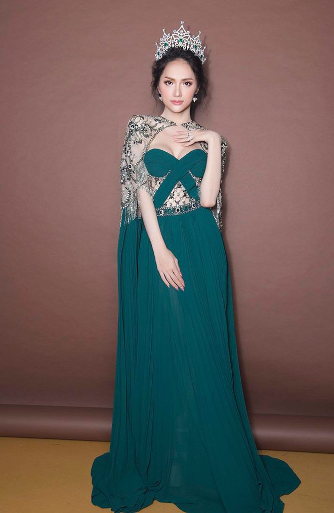 Một chiếc váy 2 sắc thái: Hương Giang tỏa sáng đúng kiểu hoa hậu, Nam Em lại như mệnh phụ phu nhân - ảnh 5