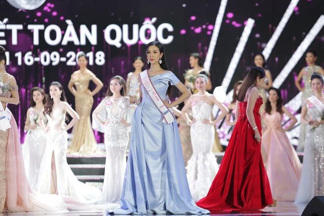 Soi học lực của Á hậu 2 Nguyễn Thị Thúy An: Sinh viên khoa Quản trị Kinh doanh và là Miss thân thiện của HUTECH - ảnh 2