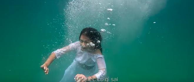 Quản lý tiết lộ Khả Ngân suýt chết ngạt dưới biển cho 3 giây xuất hiện trong Hậu Duệ Mặt Trời - ảnh 1