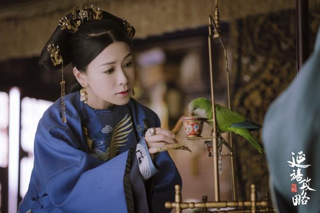 Không chỉ đạt đỉnh cao diễn xuất, vai Kế hậu Diên Hi Công Lược còn gom lại cả vũ trụ phim ảnh của Xa Thi Mạn - Ảnh 10.