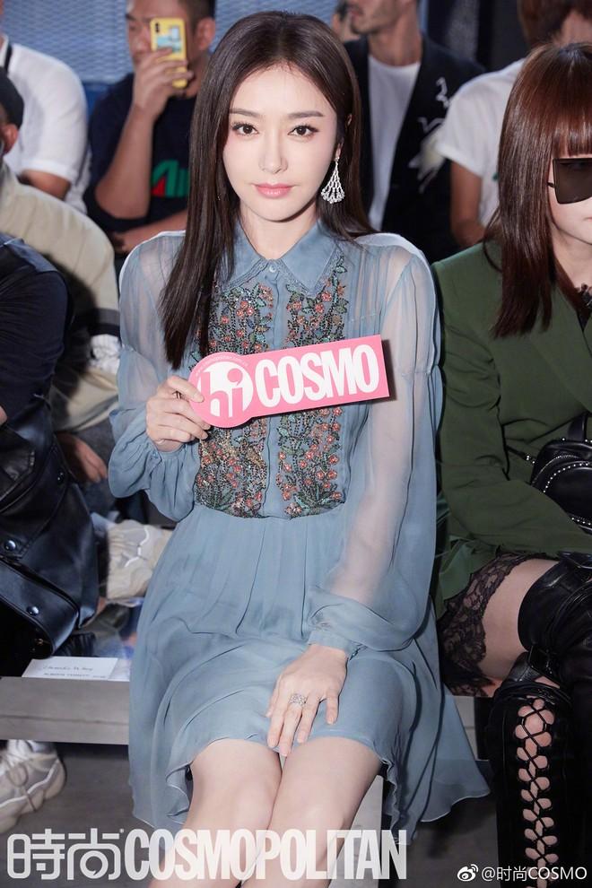 """Tần Lam và Vương Viện Khả bất ngờ tái ngộ tại Milan Fashion Week: """"Phú Sát Hoàng hậu"""" đẹp xuất sắc, lấn át cả """"Thuần Phi"""" - ảnh 6"""