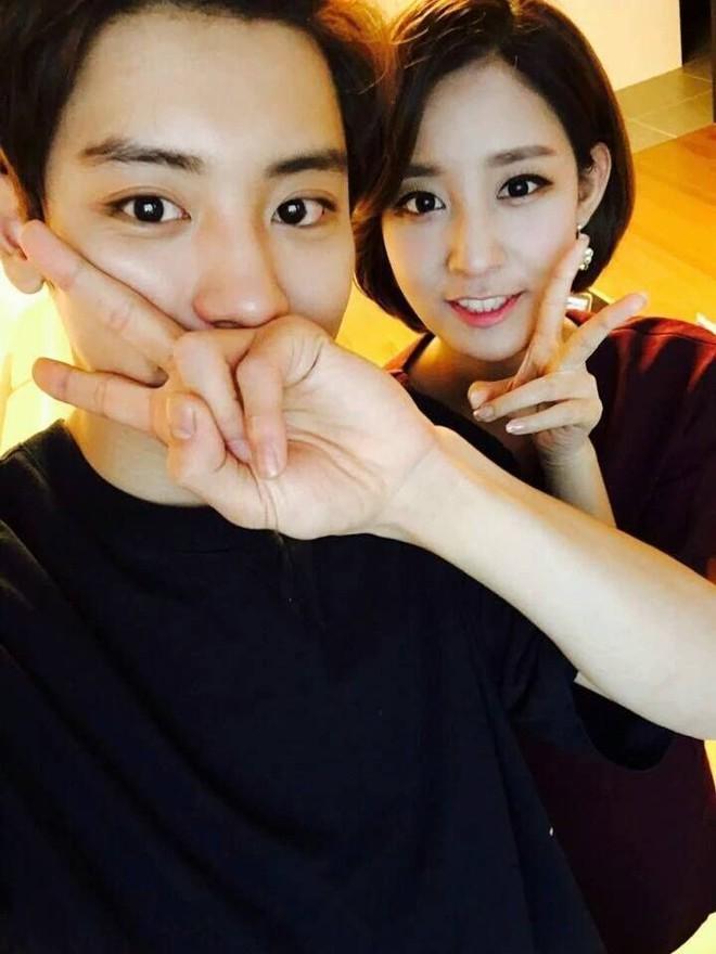 Anh chị em ruột ngoài ngành giải trí của 7 idol Kpop đình đám: Quá phí khi không gia nhập làng giải trí - ảnh 11