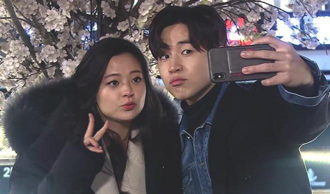 Anh chị em ruột ngoài ngành giải trí của 7 idol Kpop đình đám: Quá phí khi không gia nhập làng giải trí - ảnh 21