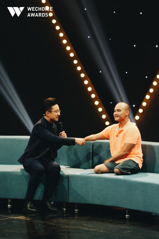 Kình ngư không chân Nguyễn Hồng Lợi: Tôi vẫn tự hào nói đùa với các bạn là tôi có dấu chân tròn trên cát! - ảnh 7