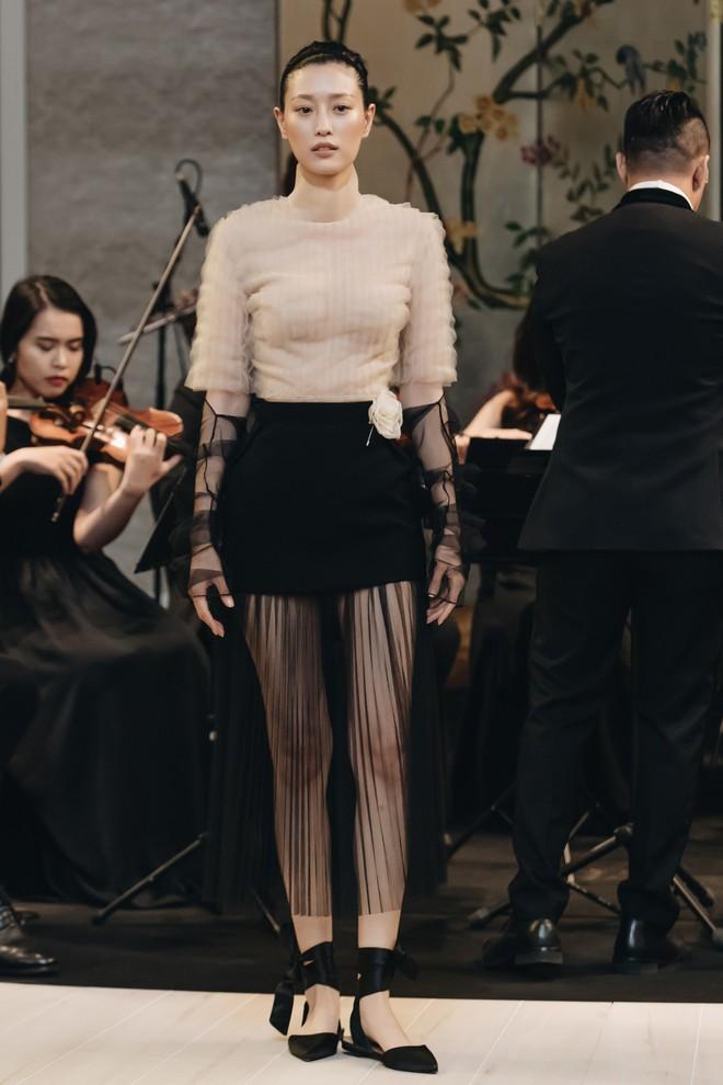 Sự trở lại của Lâm Gia Khang: Vũ khúc mê đắm của những nàng thiên nga đen trên sàn catwalk - ảnh 3