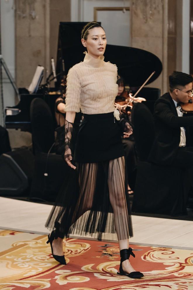 Sự trở lại của Lâm Gia Khang: Vũ khúc mê đắm của những nàng thiên nga đen trên sàn catwalk - ảnh 5