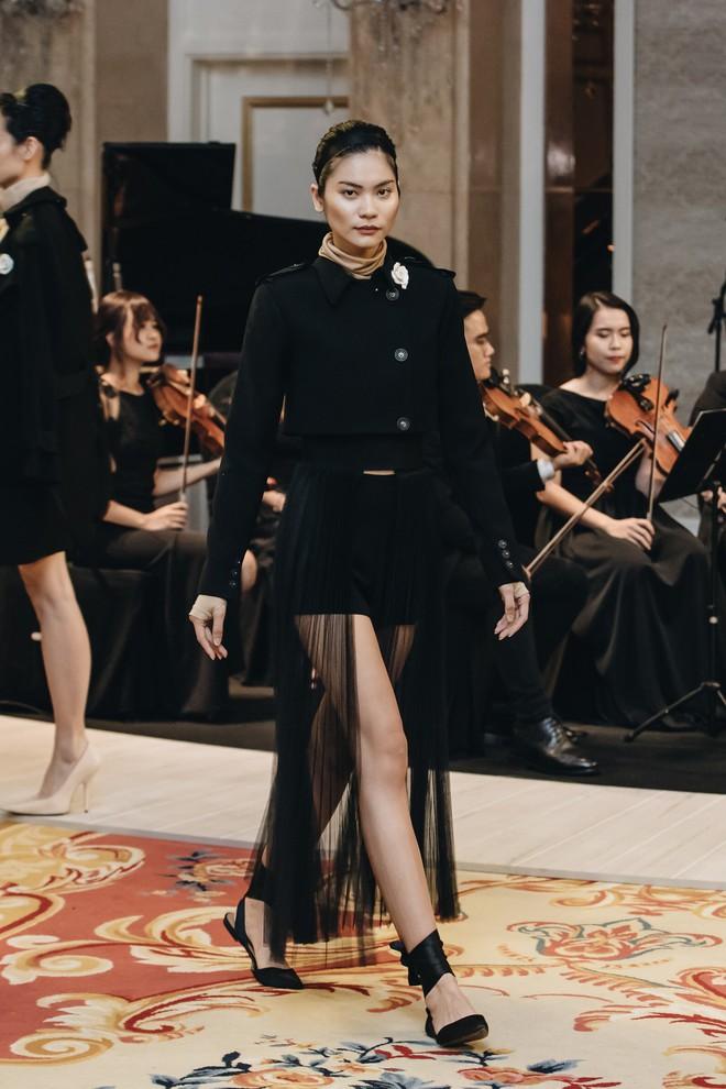 Sự trở lại của Lâm Gia Khang: Vũ khúc mê đắm của những nàng thiên nga đen trên sàn catwalk - ảnh 7