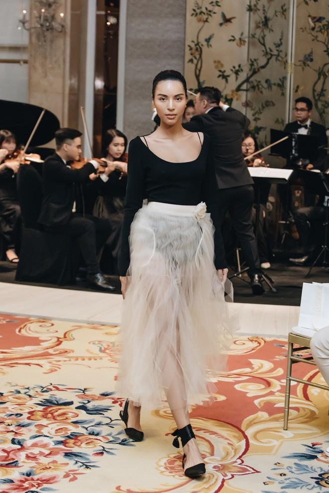 Sự trở lại của Lâm Gia Khang: Vũ khúc mê đắm của những nàng thiên nga đen trên sàn catwalk - ảnh 8