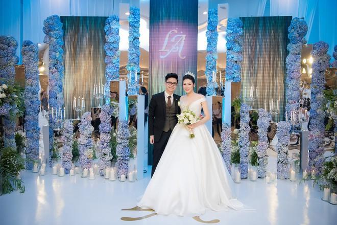 Những đám cưới được thắt chặt an ninh nhất Vbiz: bảo vệ phong tỏa mọi nơi, huy động cả ô đen để che chắn - ảnh 11