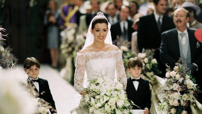 Lóa mắt với 6 đám cưới thời thượng trong phim Hollywood: Lễ cưới số 6 ăn đứt cả sự kiện hoàng gia! - ảnh 1