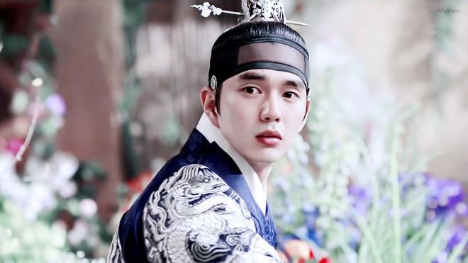 Nhan sắc chói chang của 5 Thế tử nhà mặt phố, bố làm to nổi tiếng màn ảnh Hàn - Ảnh 6.