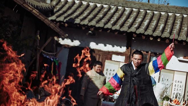 5 bộ phim diệt quỷ đỉnh cao của Hàn Quốc không xem chắc chắn phí cả đời - ảnh 2