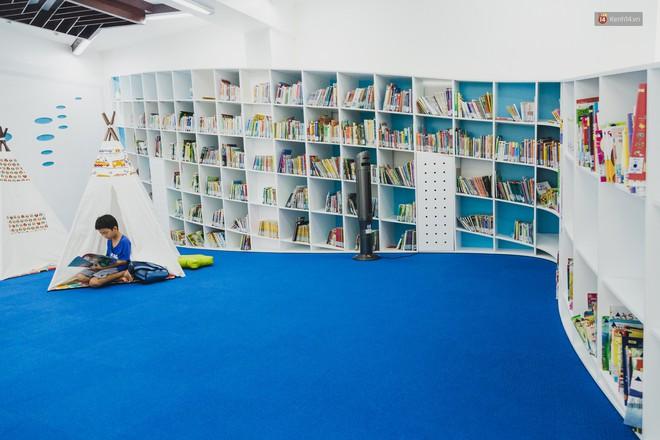 Thư viện thông minh đầu tiên dành cho thiếu nhi ở TP.HCM: Đẹp như sân chơi, có cả ngàn đầu sách và lên hình siêu ảo - Ảnh 14.