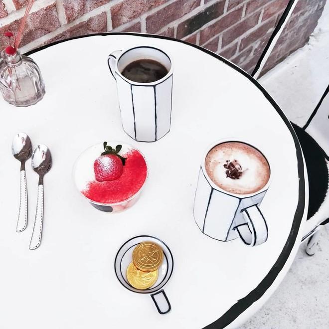 Quán cà phê mang phong cách truyện tranh siêu ảo đang hot tại Hàn Quốc - Ảnh 7.
