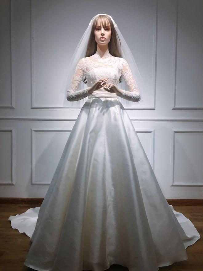 Váy cưới Nhã Phương nhìn hao hao váy cưới Hoa hậu Đặng Thu Thảo - Ảnh 11.